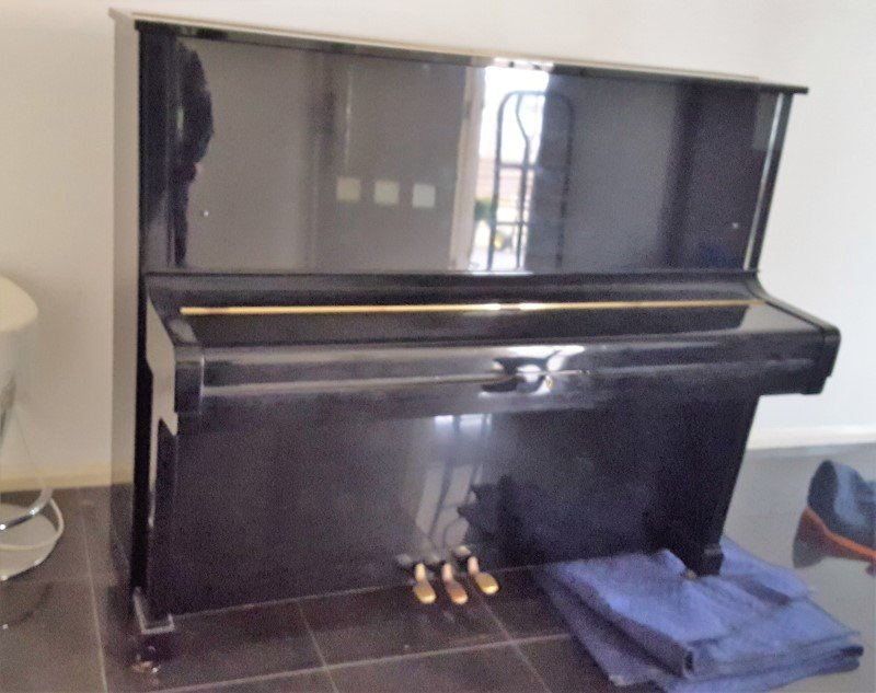 Piano by moving melbourne company