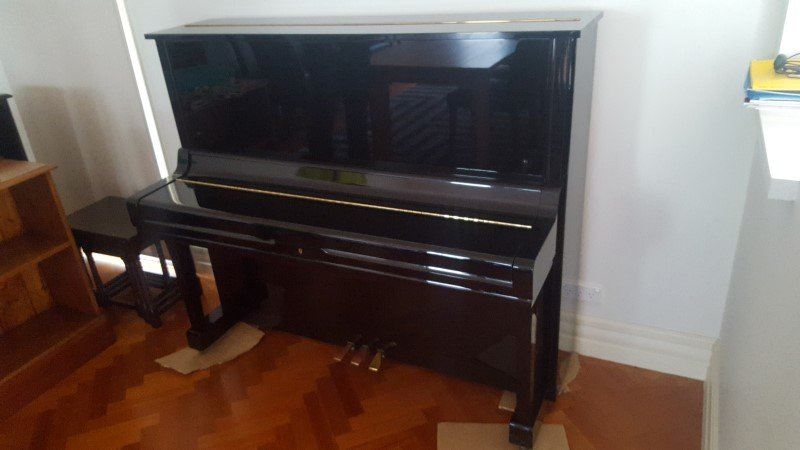 piano moved by Sunshime melbourne piano removalists