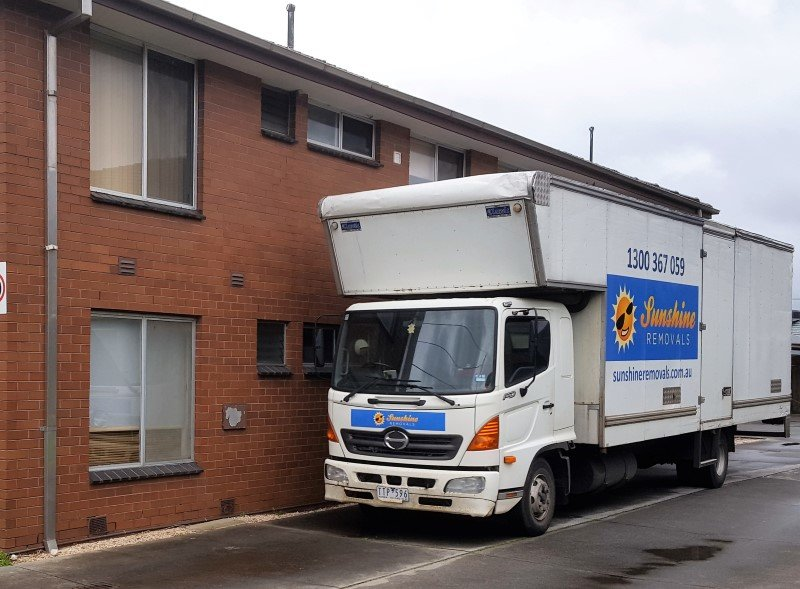 big truck by Sunshine removalist melbourne.