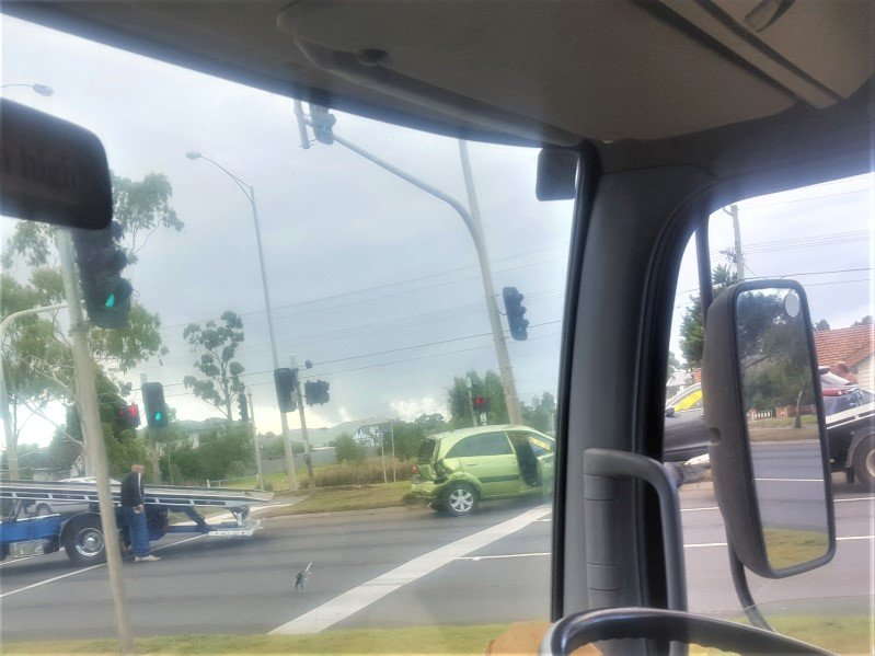 Eastern Suburbs furniture removalists detour a accident on the road.