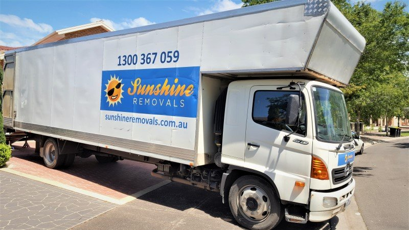 Truck and removalists melbourne moving house.