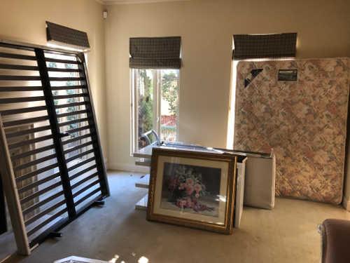 Removalists Melbourne Australia furniture to move.